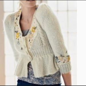 Anthropology knit cream with crochet flowers Sz L